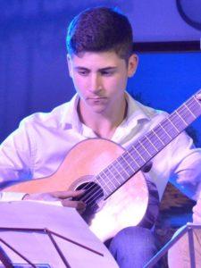 Cours de Guitare par Enzo BRACASSAC